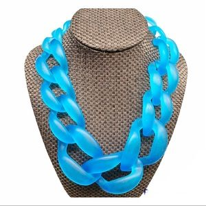 Blue chunky chain graduated size statement necklace lightweight material